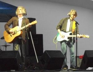 Bob Walkenhorst(left) performing as Walkenhorst/Porter in St. Joseph, MO in 2010 with new Rainmakers guitarist Jeff Porter.