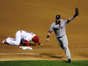 Kolten Wong of the Cardinals gets picked off first base to end game 4 of the 2013 World Series.