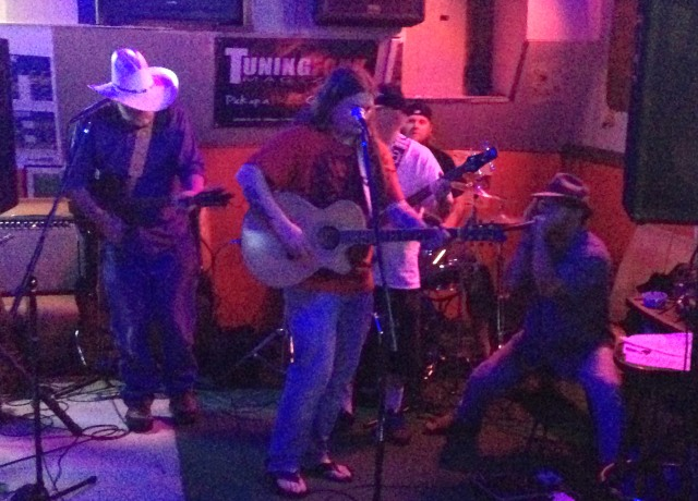 Moonshine Sorrow playing live at The Muny Inn in St. Joseph, MO on 5/24/14