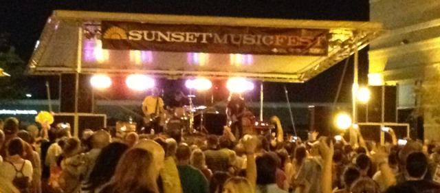 "Fans gathered at Town Center Plaza in Leawood, Kansas for the Sunset Music Fest feauring The Presidents of the United States of America. Most people in attendance had heard the song ""Peaches."""